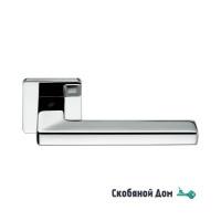 Дверная ручка на квадратном основании COLOMBO Esprit BT 11 RSB полированный хром