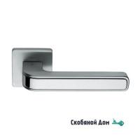 Дверная ручка на квадратном основании COLOMBO Tecno MO 11 RSB матовый хром / полированный хром